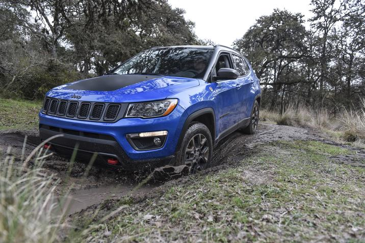 2018 Jeep Compass Blue Front Exterior