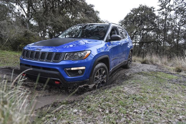2018 Jeep Compass Blue Front Exterior