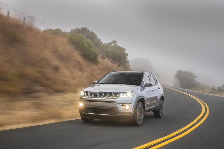 2018 Jeep Compass Limited Gray Front Exterior