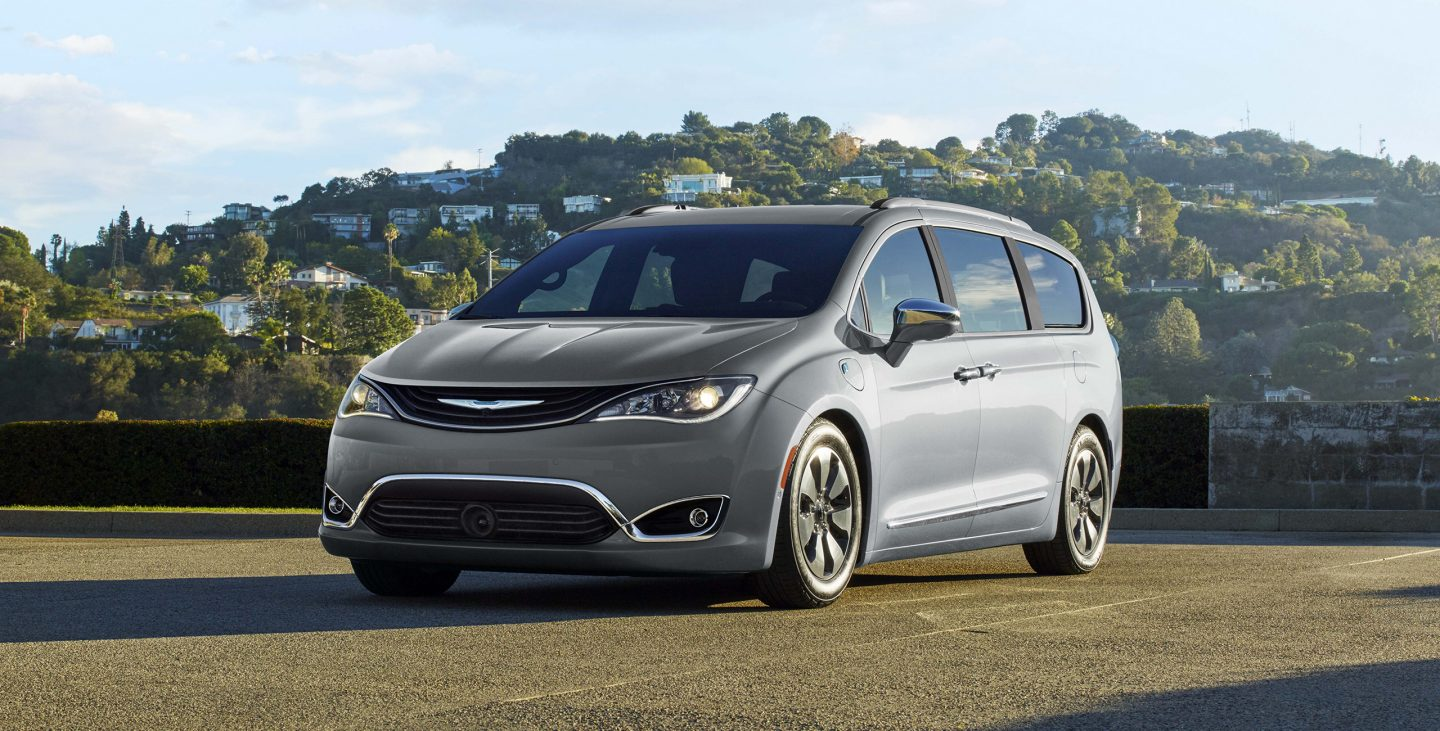 2018 Chrysler Pacifica Hybrid Front Gray Exterior